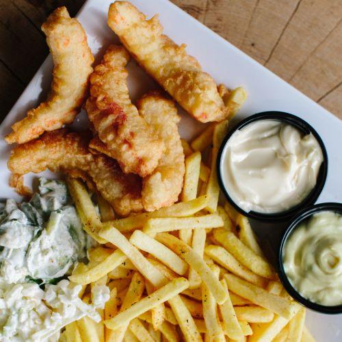 Grote garnalen menu inclusief frites, salade en saus